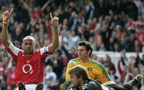Cú hat-trick tệ nhất sự nghiệp của Thierry Henry
