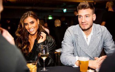 Bendtner từng 'nướng' 6 triệu bảng vào chiếu bạc