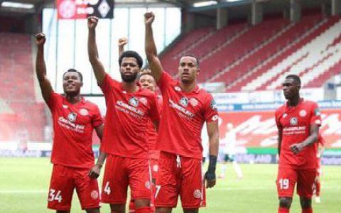 Mainz trụ hạng 11 mùa liên tiếp ở Bundesliga