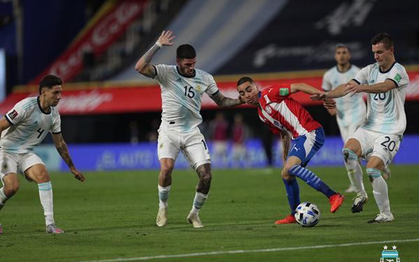 Vận đen đeo bám Messi, Argentina chia điểm tiếc nuối trước Paraguay