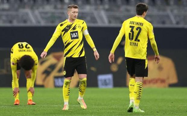Bundesliga: Dortmund thảm bại, Bayern có nguy cơ mất ngôi đầu