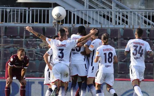 Xác định CLB thứ 2 thăng hạng Serie A