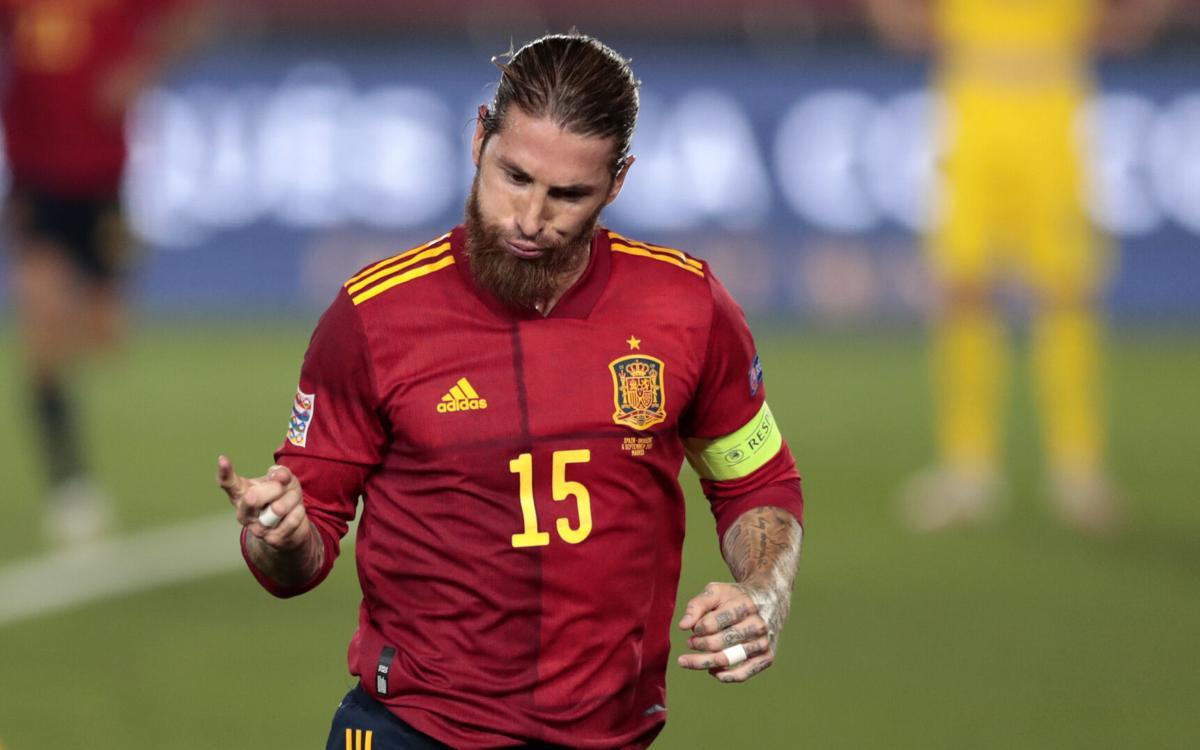 Ghi cú đúp, Sergio Ramos lập kỷ lục vô tiền khoáng hậu