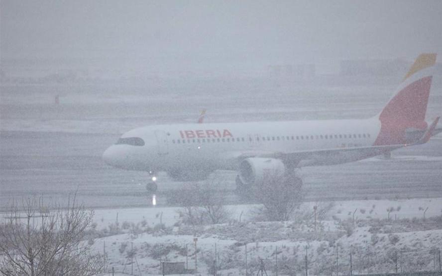 Zidane và các học trò chưa thể về nhà vì bão tuyết