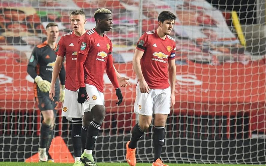 Bruno Fernandes vô duyên, Man United bị Man City loại khỏi League Cup