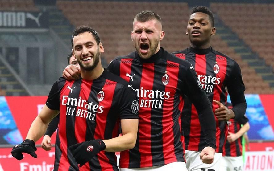AC Milan thất bại trước Juventus: Dừng lại để lấy hơi