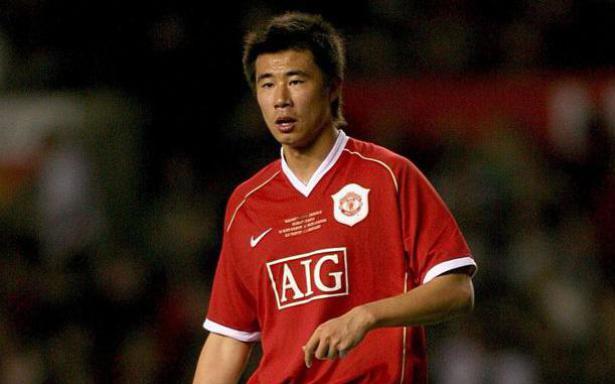Cựu cầu thủ Man United phải phẫu thuật sửa khuôn mặt vì bị hắt hủi tại quê nhà Trung Quốc