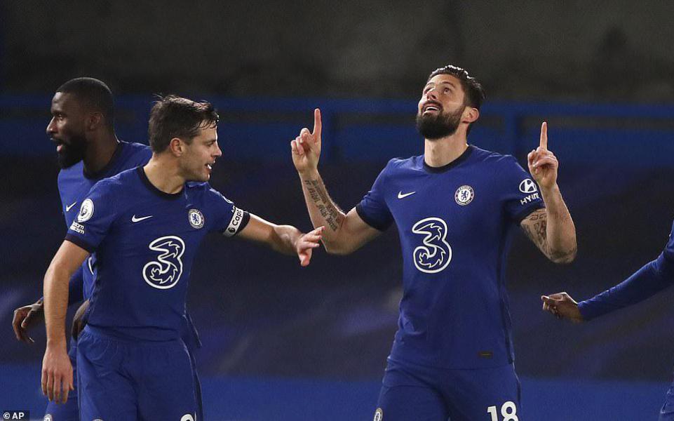 Trở lại top 4 bằng mạch trận khó tin, Chelsea có khiến HLV Lampard đau lòng?