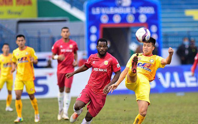 V-League tái xuất, Nam Định lại đau đầu với ngoại binh