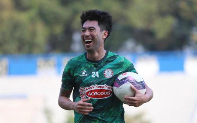 Đại bại 3-6 trước Bình Dương, HLV CLB TP.HCM vẫn hài lòng với Lee Nguyễn