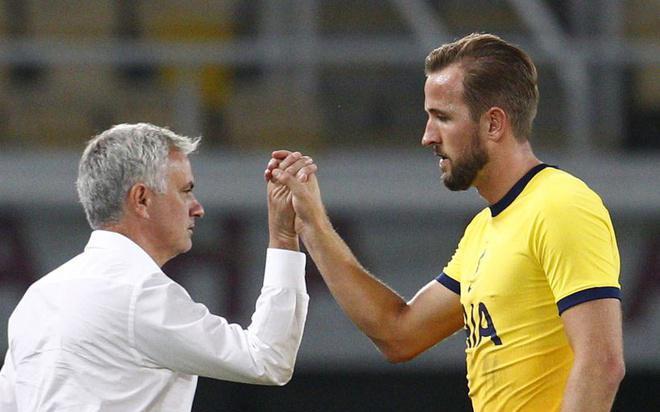 Harry Kane gửi 'tối hậu thư', ghế của Mourinho nóng trước cuộc đấu M.U