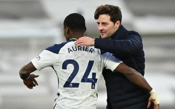 Tottenham thắng trận đầu không có Mourinho