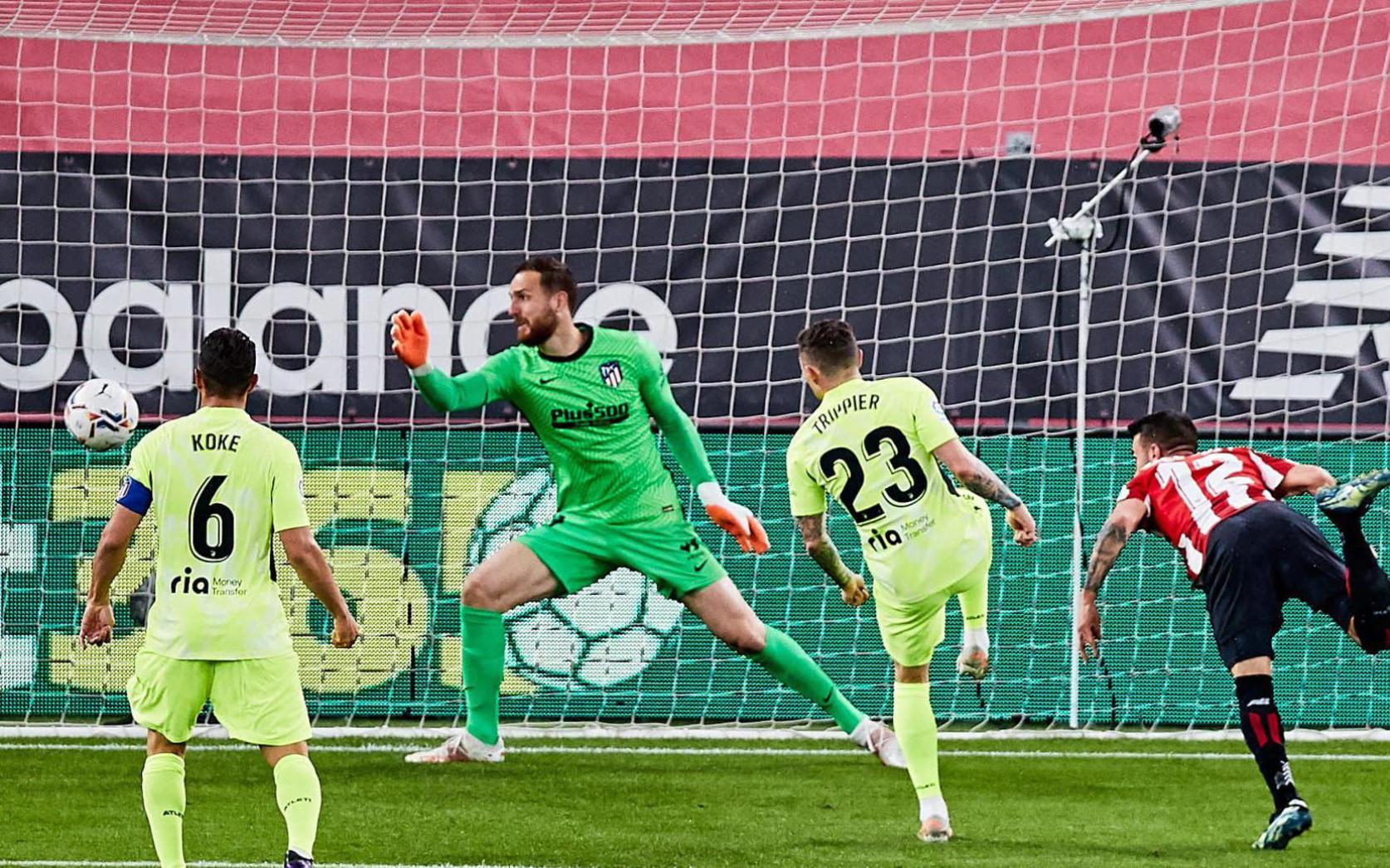 Ath.Bilbao 2-1 Atl.Madrid: Trao cờ cho Barcelona