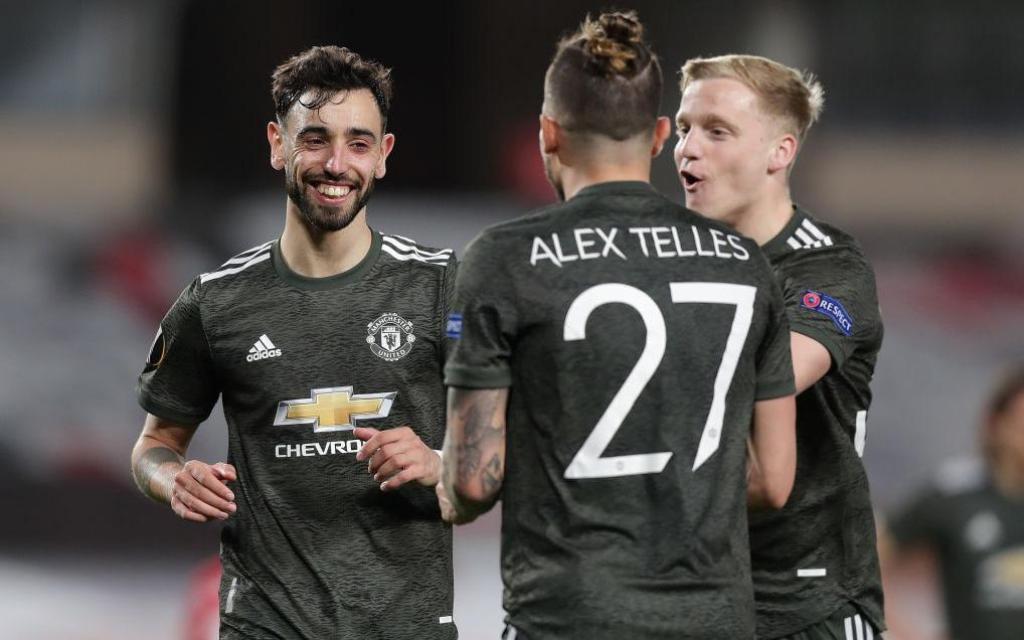 Man United thổi bay địch thủ