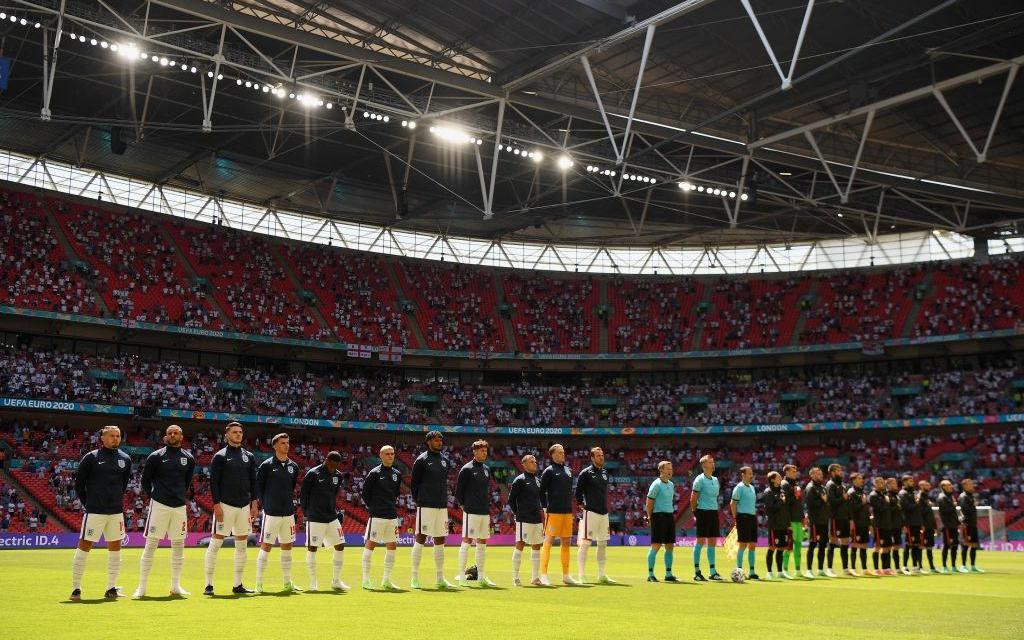 UEFA dọa lấy quyền đăng cai CK EURO 2021 của Wembley trao cho Hungary