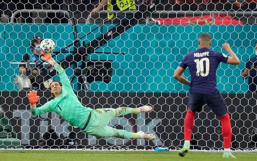 Vòng 1/8, Tây Ban Nha thắng Croatia, Pháp thua Thụy Sỹ: Kịch bản kinh hoàng