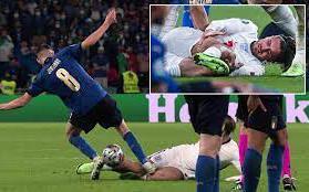 Italia quá may vì không phải nhận thẻ đỏ nên mới có thể hạ gục Anh trên chấm luân lưu?