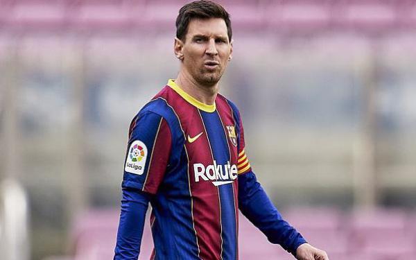 Giảm nửa lương, Messi vẫn bỏ xa Ronaldo và Neymar
